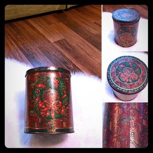 🦋2/$10 3/$15 4/$18 5/$20 Vintage Storage Tin
